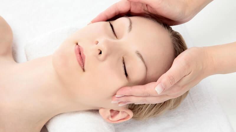 Cómo realizar el masaje facial